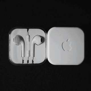 APPLE EARPODS AND SAMSUNG EARPHONES.
