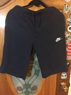 🚚 M號 Nike 深藍短褲