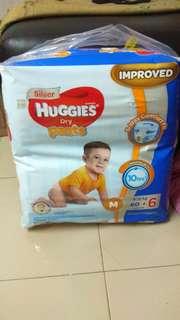 Huggies Dry Pants ( M )