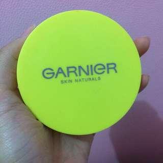 Garnier face powder (bedak padat)