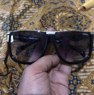 Kacamata prada premium