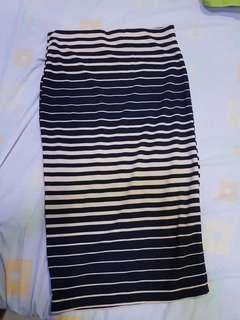 Stripes Strechted Long Skirt