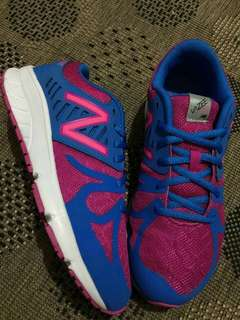 New Balance rubber/running shoes