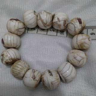 未經處理原石西藏老硨磲手串