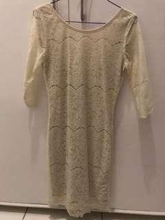 Lace dress. Beige w lining. Size S. used 1x. Srp 4k