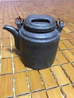 青段泥紫砂牛盖壶