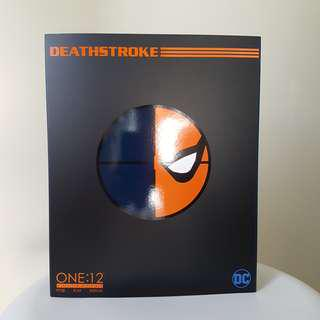 Mezco one 12 Deathstroke batman