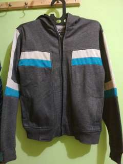 Jual jaket sweater distro import bermerk ukuran L