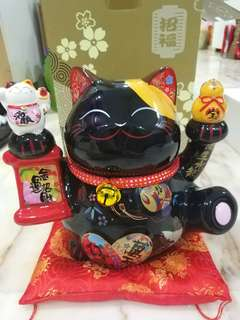 Black fortune cat &  Blue Daruma authentic 富缘招财猫
