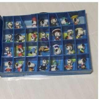 McDonald World Tour Snoopy Collection 1999