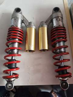 Showa Suspension/Absorber
