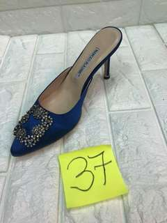 Ready to ship size 37