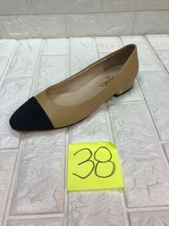 Ready to ship size 38