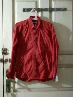 Kemeja Merah Cowok