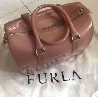 Furla 粉紅色大size膠箱袋 有鎖有牌