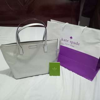 Authentic Kate Spade Hani Haven Lane Tote  (small)