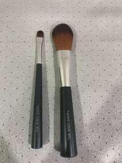 Body Shop makeup brush