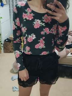 Crop top with flowers