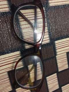 Kacamata minus 2,75