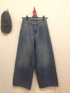 🚚 Uniqlo厚磅牛仔寬褲