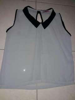 Hoofdawesome - sleeveless shirt (preloved)