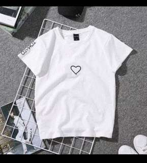 🚚 刺繡愛心白T恤