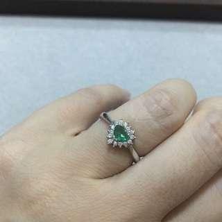 純銀鍍白金心型綠寶石戒指