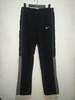 Nike trackpants size L original 95%