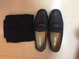 Prada鞋(黑色)九成新