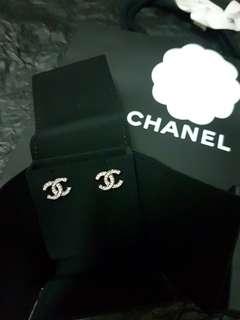 全新**Chanel耳環**購自法國