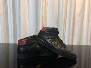 Preloved Authentic Gucci Sneakers