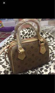 LV Handbag ( Replica )