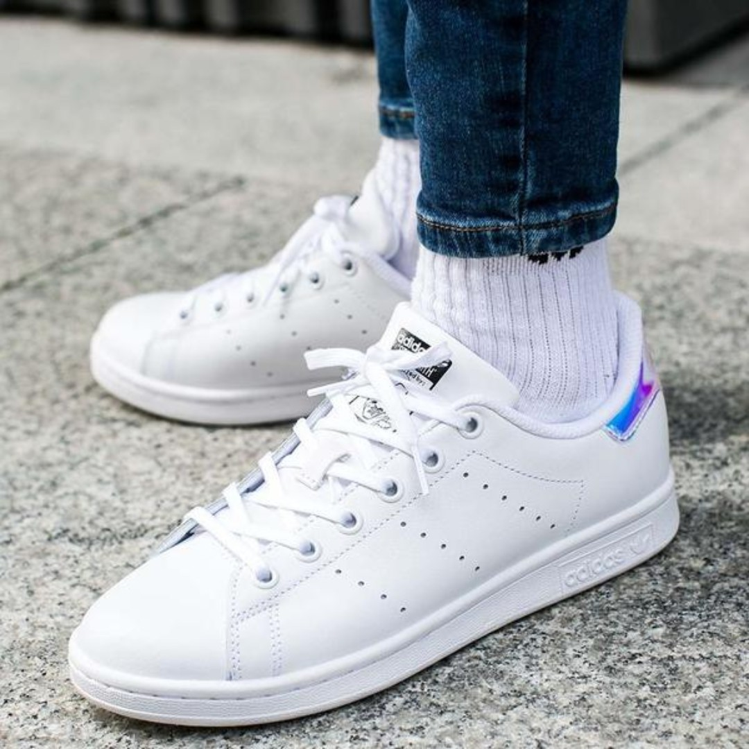 392f0e0555467 AUTHENTIC  ADIDAS IRIDESCENT HOLOGRAPHIC STAN SMITH IN SIZE 37 ...