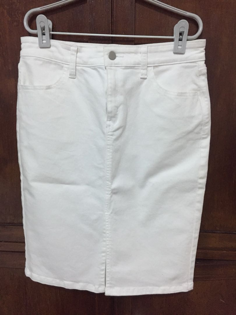 d2c7f024fc Banana republic White Denim Skirt, Women's Fashion, Clothes, Pants ...