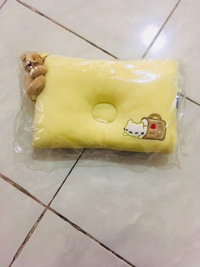 Bantal bayi