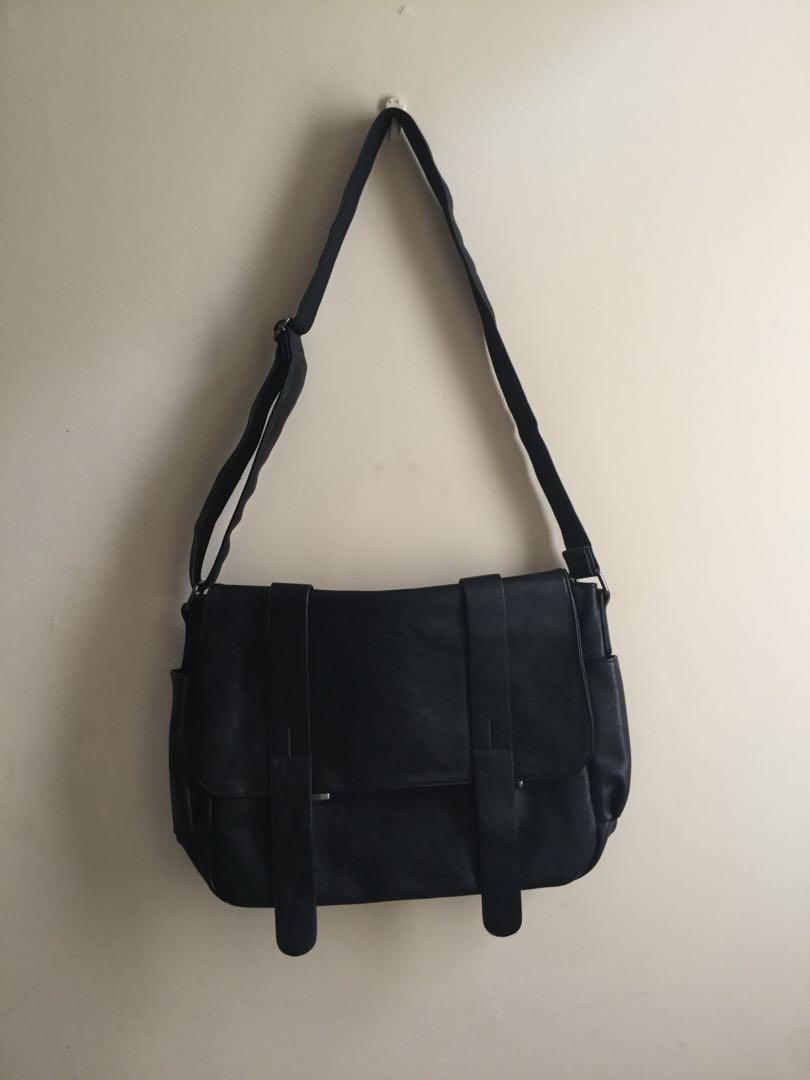 FULLHARDY Faux Leather Messenger Bag (Tas Selempang Kulit) 2415d993d5