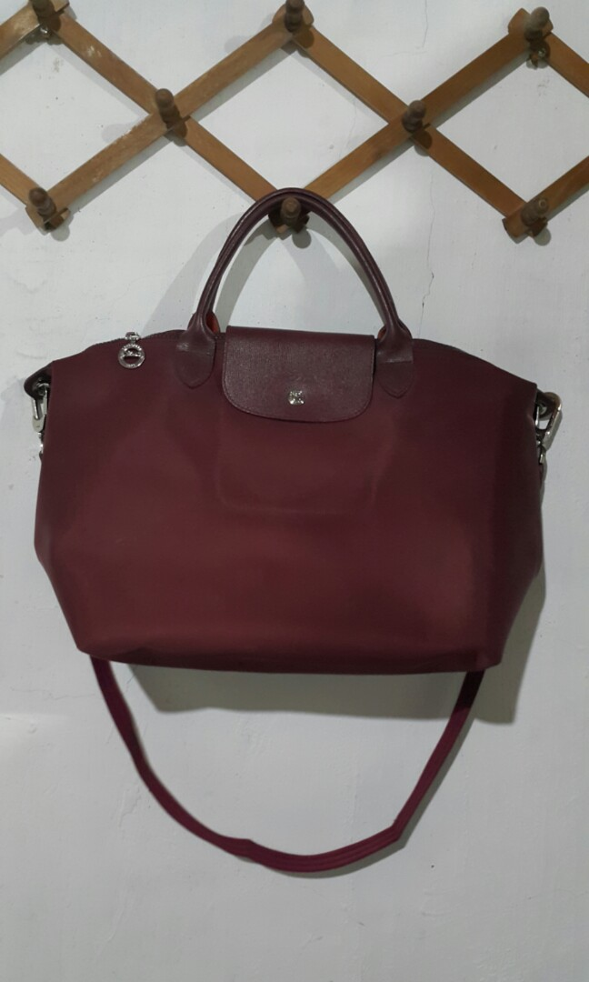 f16dffdf8201 Longchamp Le Pliage Neo Medium Maroon