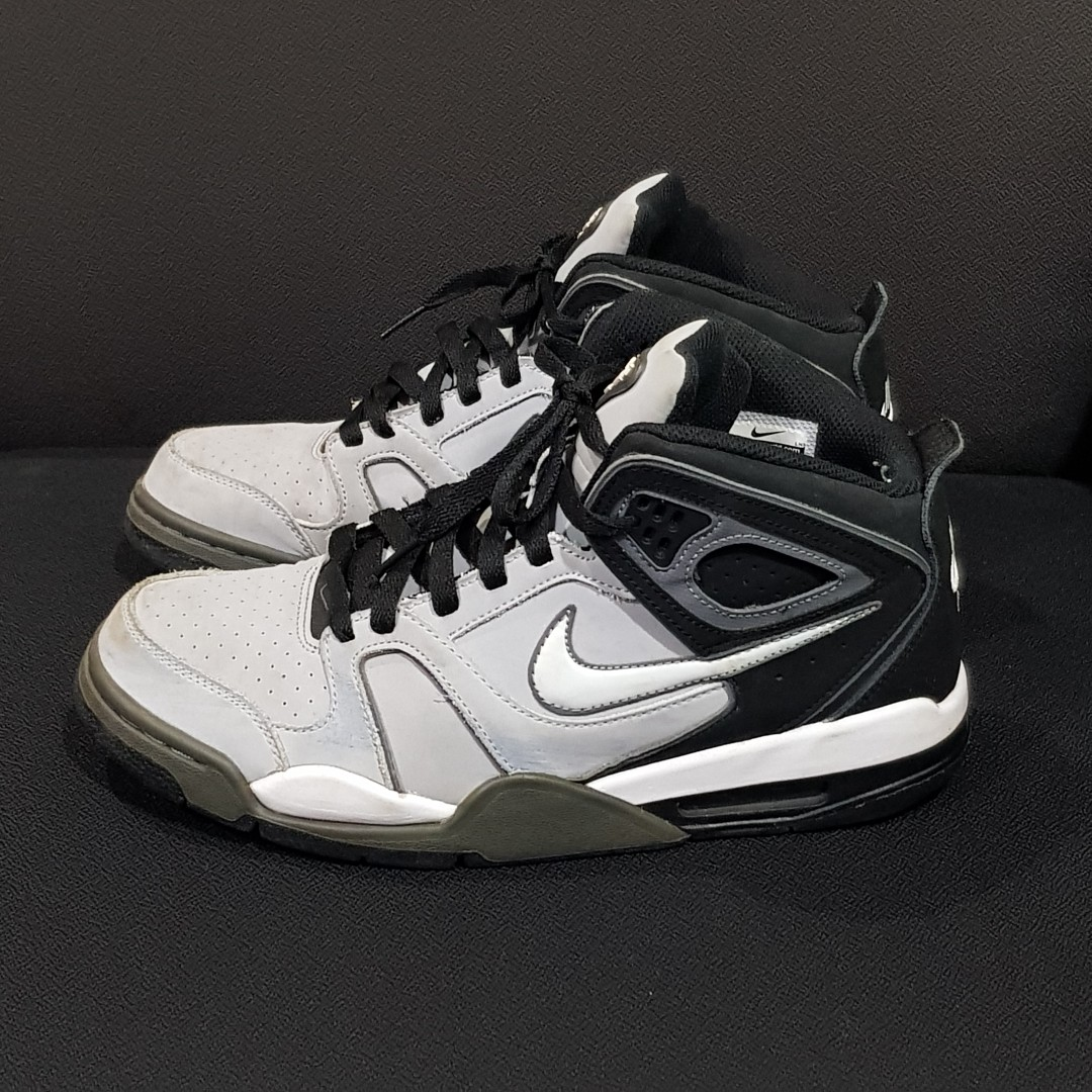 Nike Mens Flight Falcon Basketball Shoes