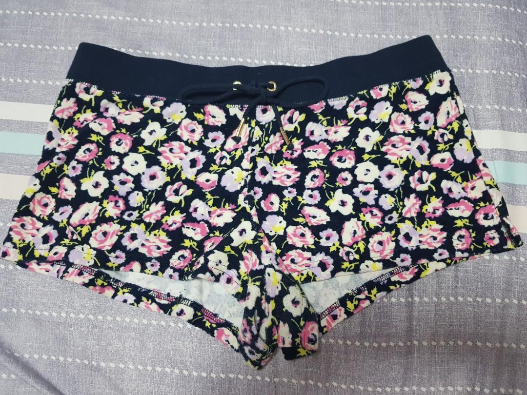 Orginal Juicy Couture Navy Shorts Flower design af0089ff9