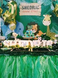 Safari dessert table