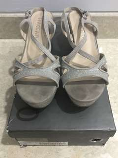 Staccato Light Grey Platform Wedge