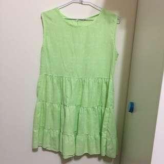 草綠色洋裝