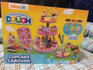 Brand new nick jr. play doh cupcake