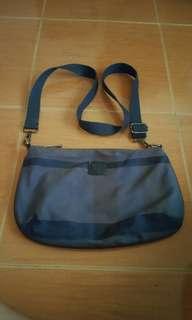 Burberry sling