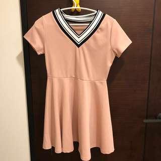 🚚 V領洋裝