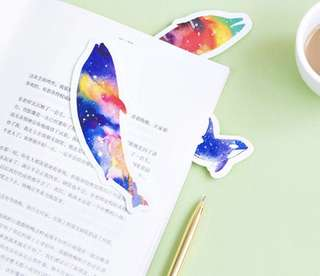 🐬BN INSTOCK Colorful Gradient Dolphin Paper Bookmarks