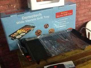 Grill tray.  Electric