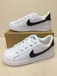JUN 18 NIKE KIDS SHOES (DHD)