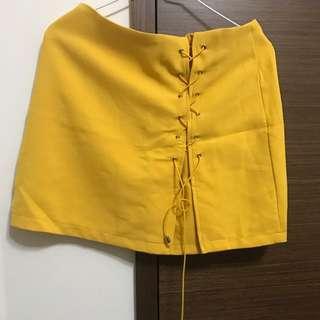 🚚 黃短裙