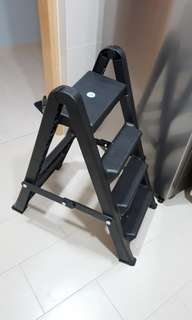 Toyogo Plastic Step Ladder
